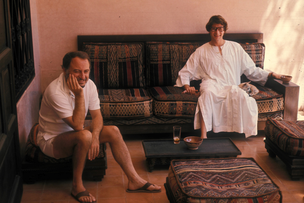 Pierre Bergé and Yves Saint Laurent in Dar Es Saada, Marrakech. Musée Yves Saint Laurent Paris / Guy Marineau