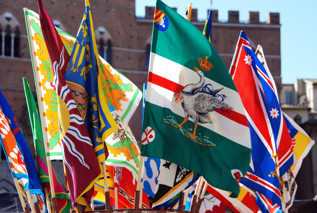 Palio race, flags of the Districts