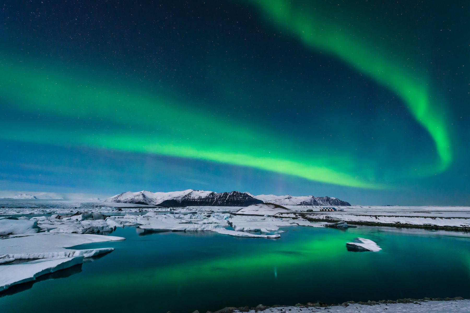 See Iceland's Northen Lights