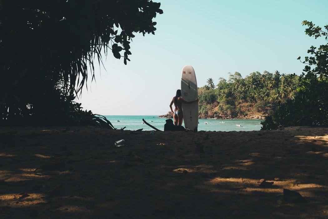 Sri Lanka surfing